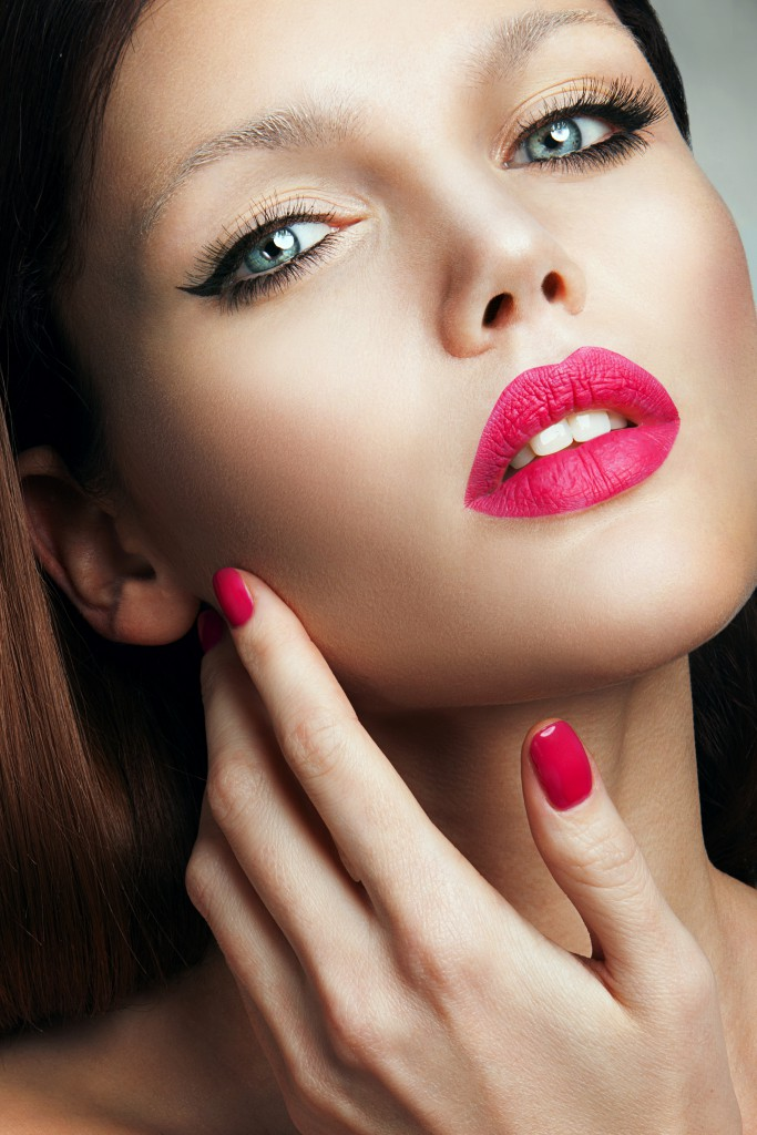 Make Up Pink Nails and Lips