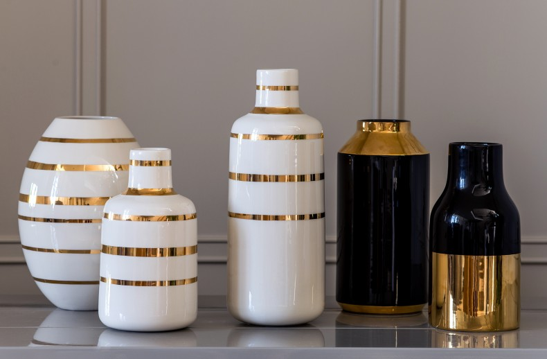Kelly Hoppen Gold Base Bottle Vase