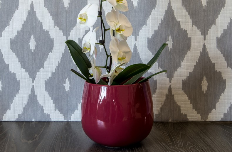 Kelly Hoppen Rounded Bulb Pot Plum
