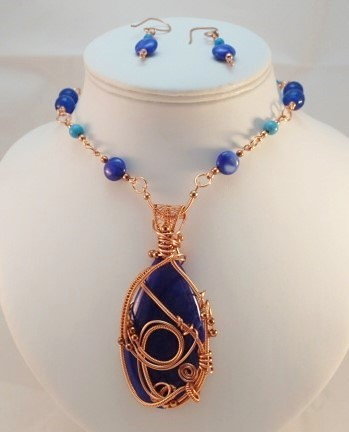 Agate and Blue Magnasite Pedant Necklace