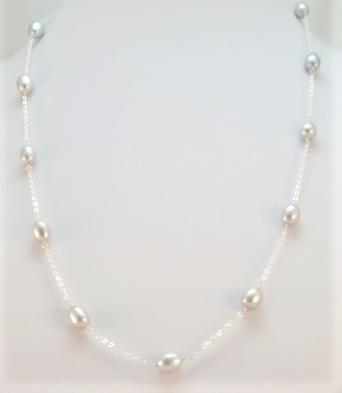 camber-and-kernz-pearl-necklace