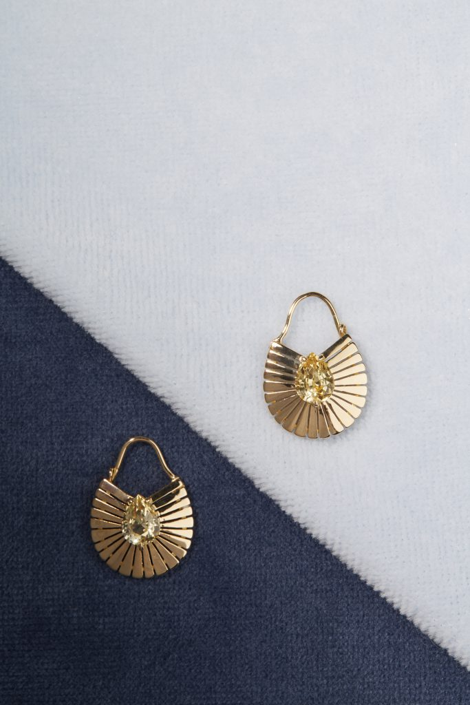 Signe Earrings 18kt Yellow Gold Yellow Sapphires