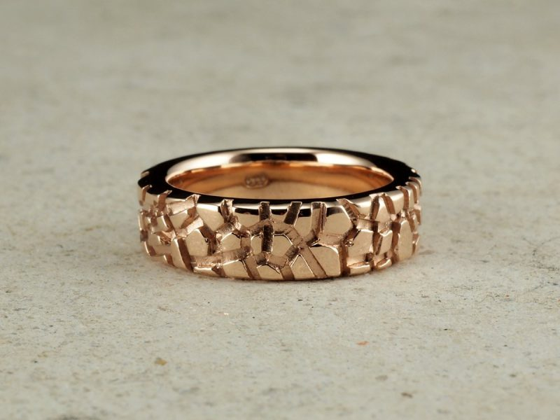 Men's Gold Band Ring Traveller