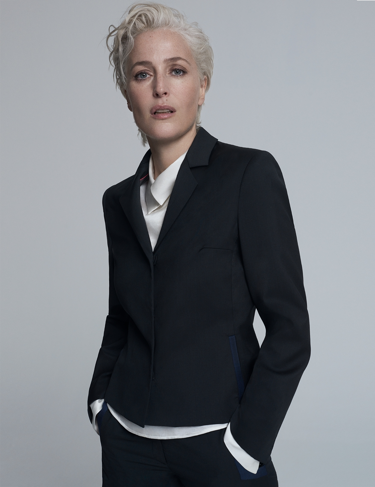 Gillian Anderson Short Fitted Suit Jacket Blazer