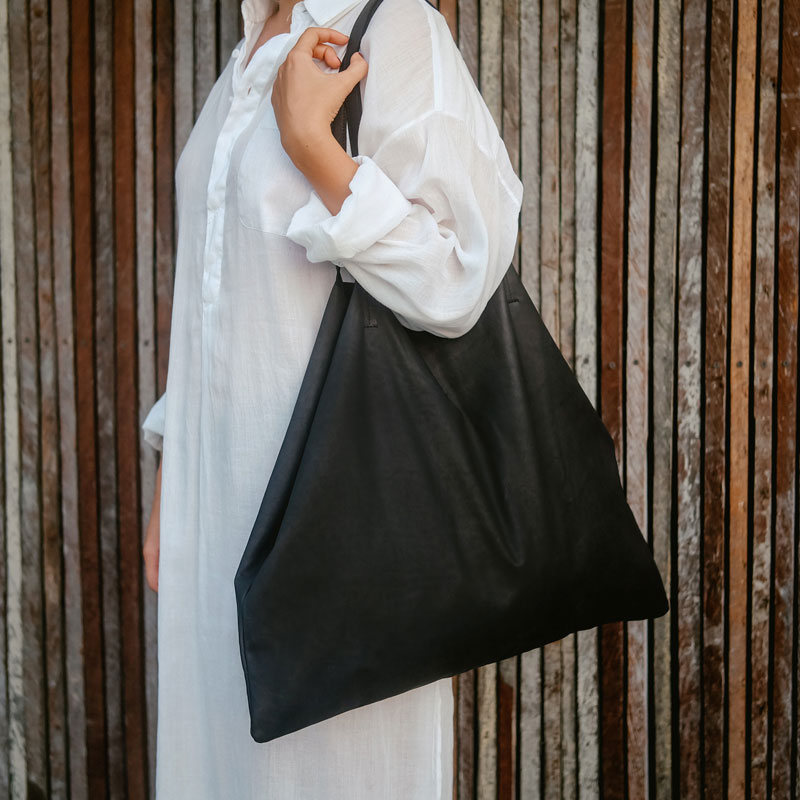 Horizontal Tote Bag Black Leather