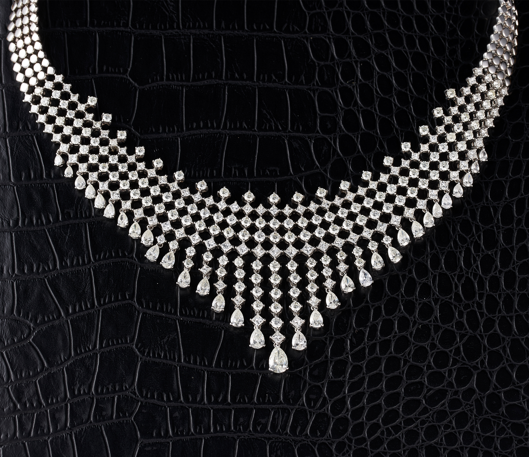 Pheres Diamond Necklace