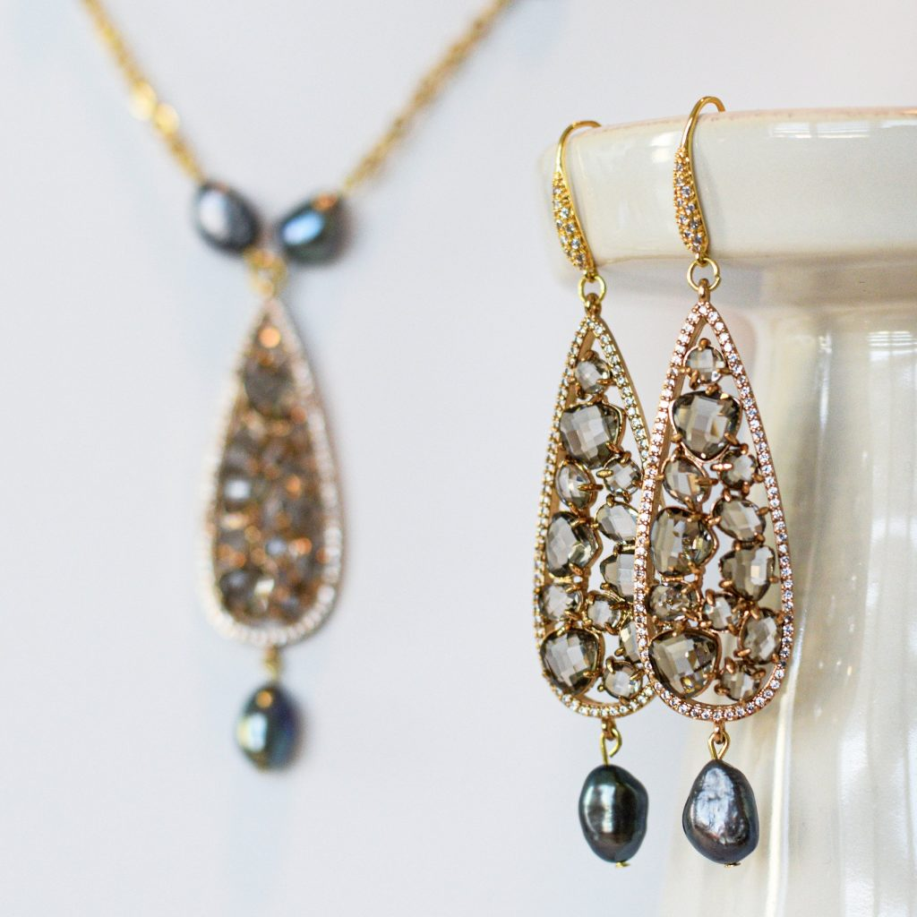 Grey Pearl and Glittering Zircon Earrings and Necklace Set